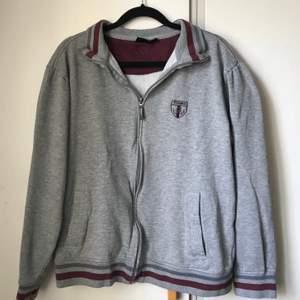 Zip-up hoodie/kofta med litet champion märke, strlk S, trendig o skön!
