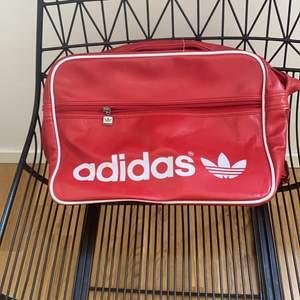 Väska i fint skick.