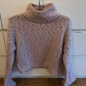 Fin stickad rosa tröja från Hollister