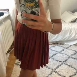 Kjol från Zara i nyskick.