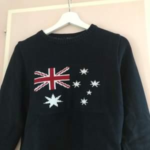 Snygg marinblå Holebrook Sweden tröja
