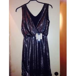 Min vaknar klänning från SALT som aldrig hunnit användas, prislapp kvar