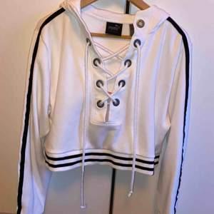 Fenty x Puma hoodie. Från Rihannas första kollektion. Nypris var 1500kr