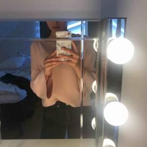 Super fin rosa tröja från zara. Tror de är i strl 152 men är som XS💞köparen står för frakten!