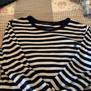 Ralph Lauren tröja i storlek M, buda från 150kr