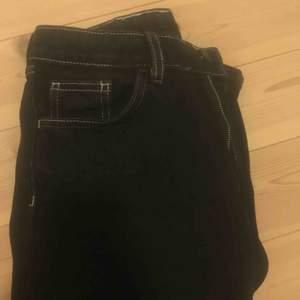 Jeans från Monki i modellen Mozik. Kan mötas upp i Uppsala annars står köpare för frakt