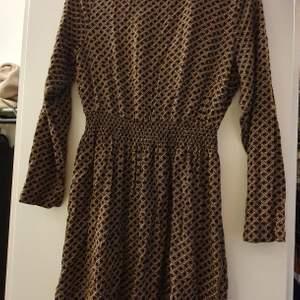 Höst klänning från Hm i storlek 36