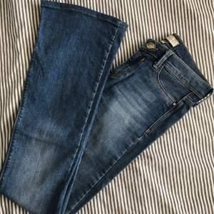 Boot cut regular jeans från River Island