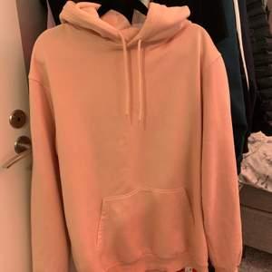 Rosa hoodie från H&M. Använt men fint skick✨