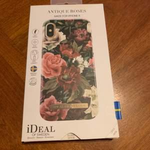 Skal från ideal of Sweden som passar till iPhone X. Sparsamt använt i bra skick. Är lite repigt. Står inte för postens slarv!