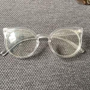 Fakeglasögon i clear! DMA för intresse och fler bilder! Frakt tillkommer! ✨❤️