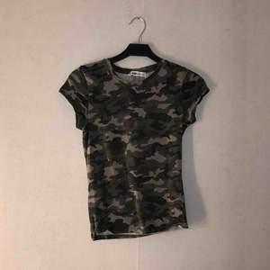 Kamouflage t-shirt