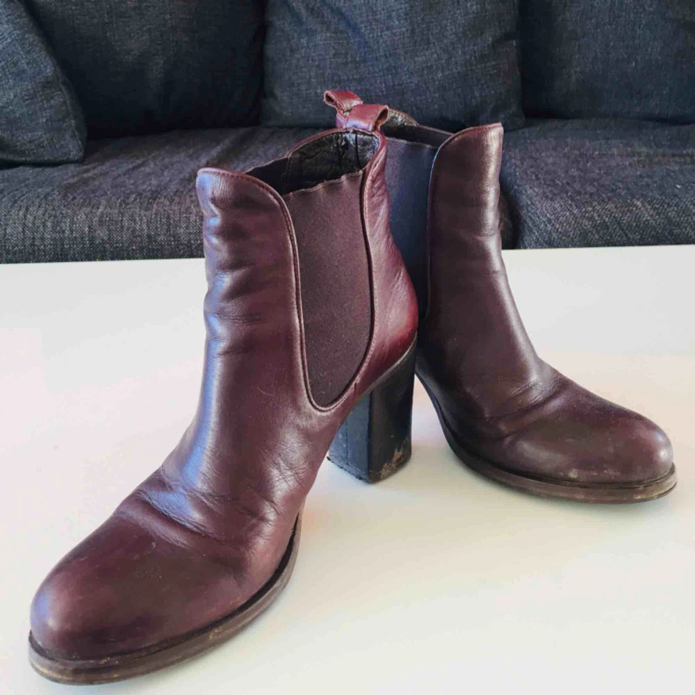 My beautiful babies my boots. So cool with jeans in the springtime, and very comfy reddish-brown  ❤️  Selling cos I've got too many shoes! Name your own prace  if you'd like . Skor.