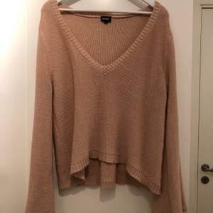 Rosa-ish stickad tröja från Bubbleroom. Superfin men använder ej längre. I fint skick.