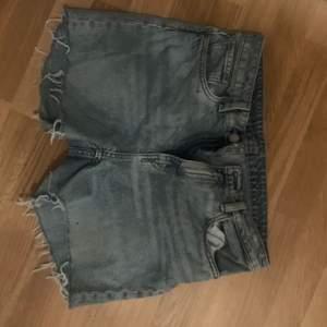 Gjort själv utav ett par jeans från Weekday