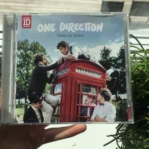 One direction take me home cd skiva!! :) felfritt skick, 50 kr 🍕💕