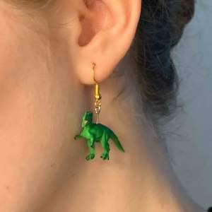 Handgjorda djur-örhängen!