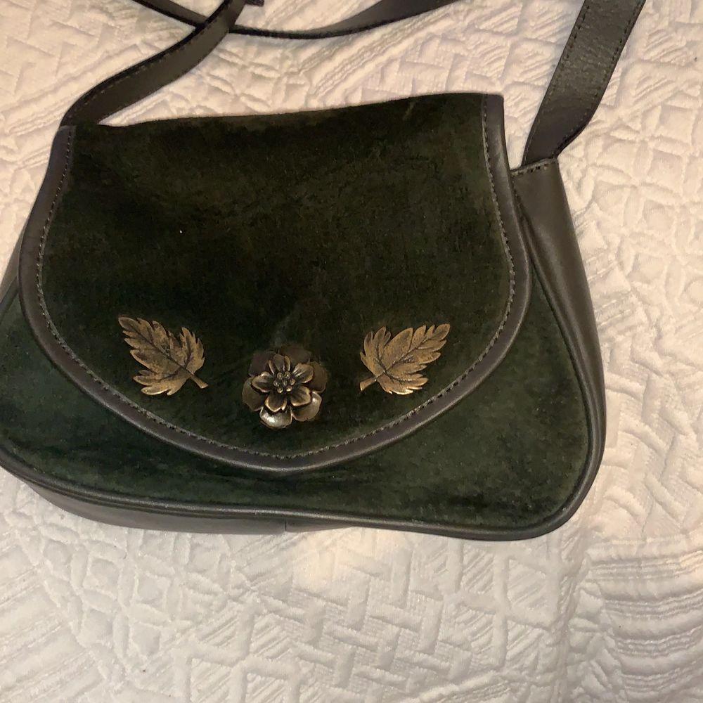 Oanvänd snygg väska. Pris kan disskuteras. Väskor.