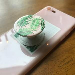 Ett rosa aesthetic mobilskal med matchade pop socket. Köp nu!