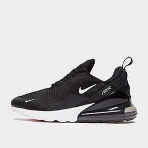 Säljer ett par bekväma Nike skor som jag har haft i ett år. Säljer pga att jag har växt ut från dom. En tvätt skulle behövas annars inget annat problem. Pris kan diskuteras!