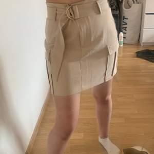 Snygg kjol från ginatricot. Endast testas, betalning sker via swish ⚡️