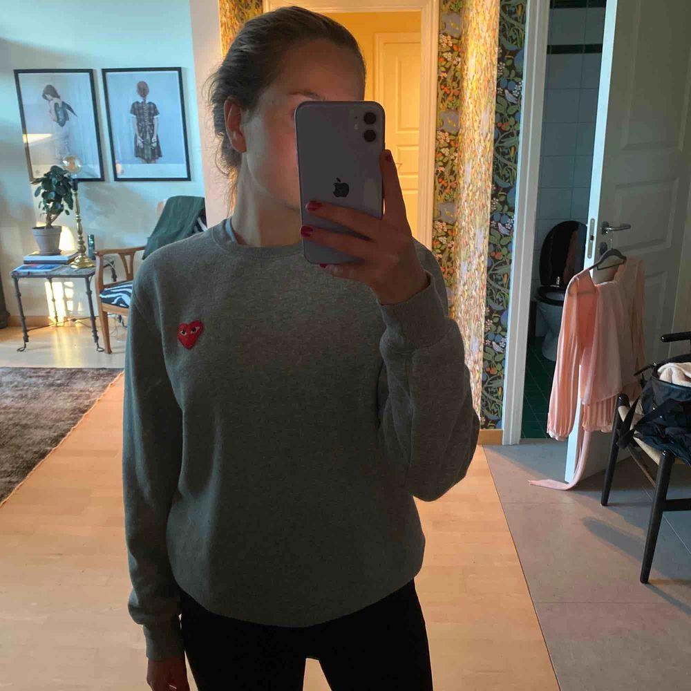 Comme des Garcons sweater i fint skick!. Tröjor & Koftor.
