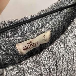 Superfin tröja köpt i usa! Köparen står för frakt🌍 Vill bli av med allt så fort som möjligt så kolla gärna in mina andra annonser också✨