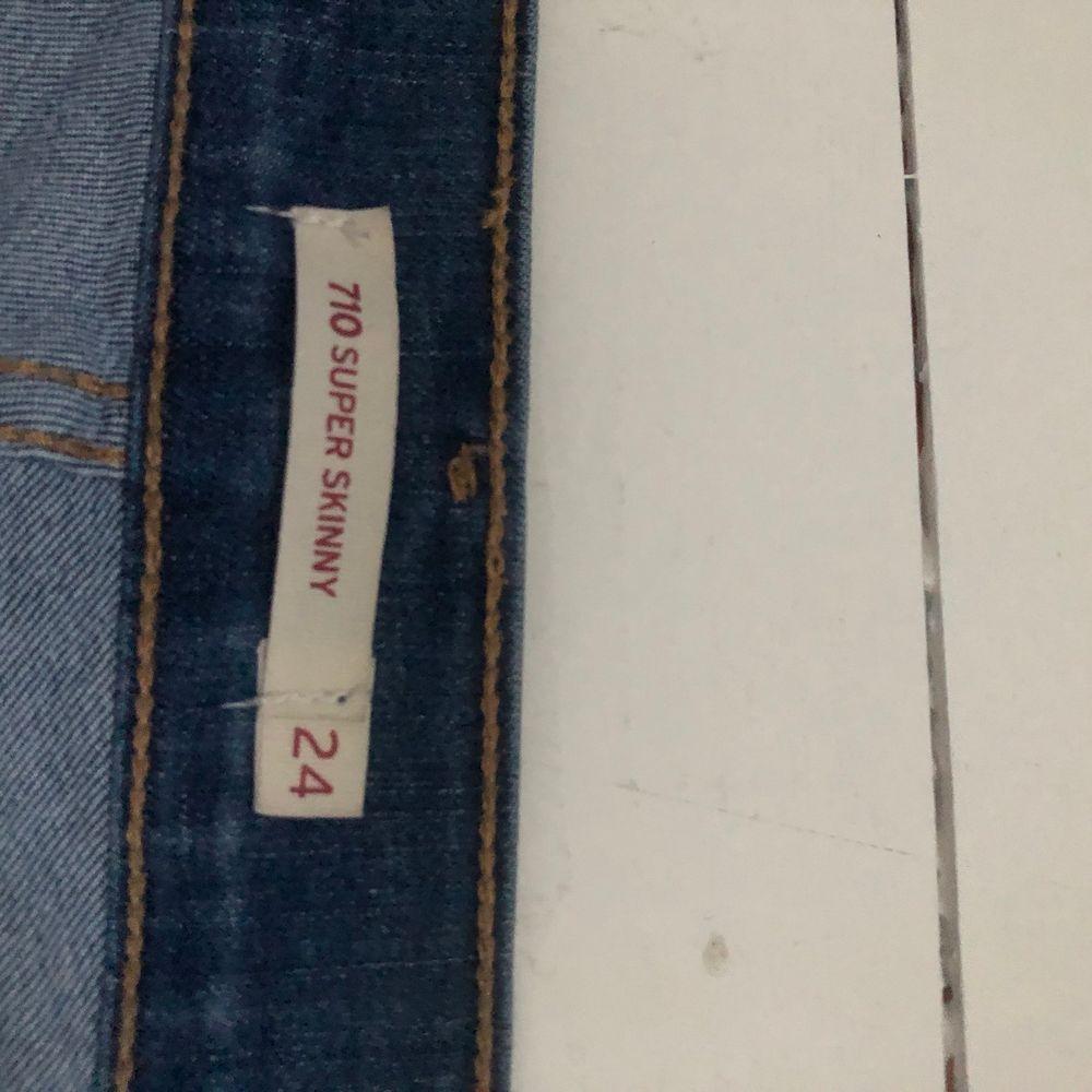 Bra skick, stl 24. Jeans & Byxor.