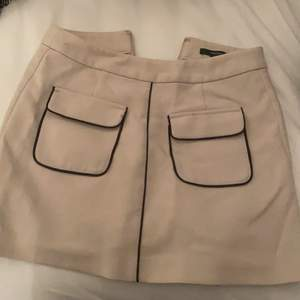 Beige kjol från forever 21, i bra skick