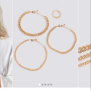 Ett armbands/ring set från NAKD. Knappt använda! Köpt för 150kr, säljer för 50kr(med frakt inräknat)