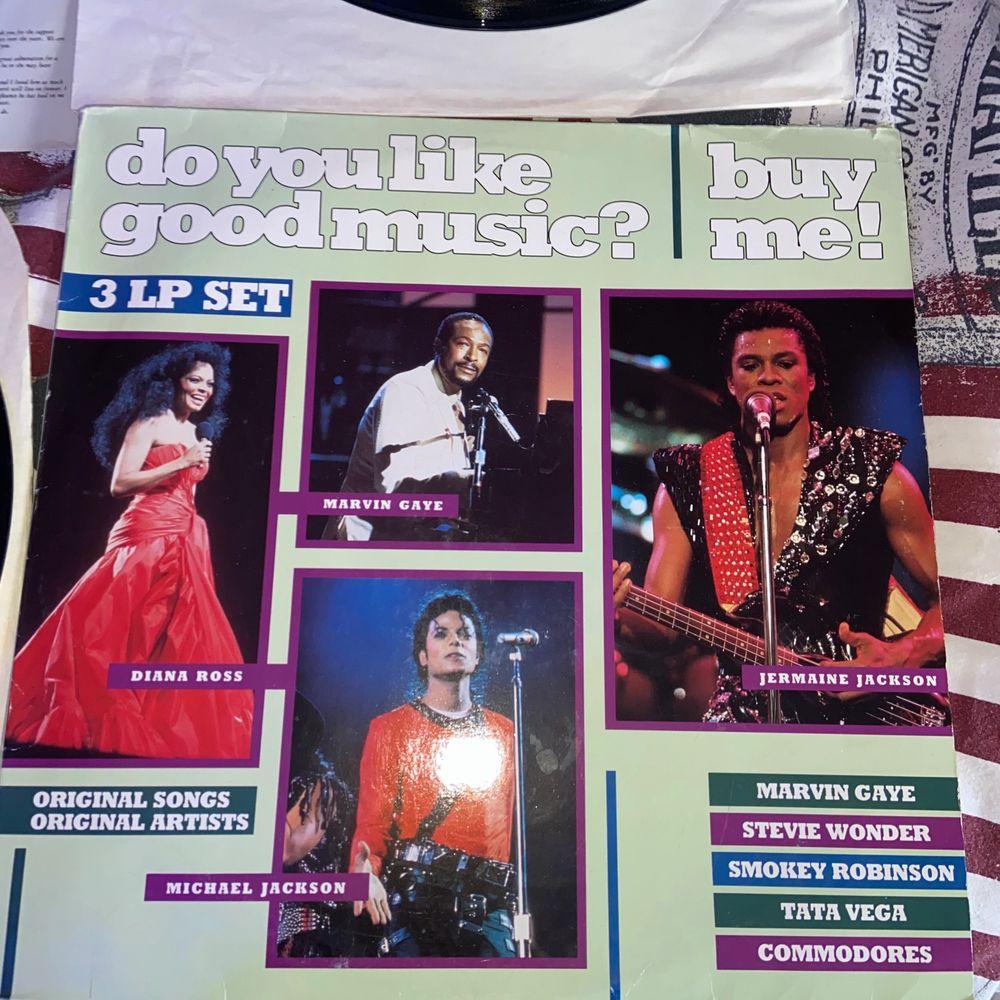 Säljer dessa 3 stora vinylskivor med artister som Diana Ross, Marvin Gaye, Jermaine Jackson. Är lite osäker på bris så kom med förslag/bud. Vet ej hur skicket är när det gäller att lyssna på musiken då skivorna är köpta för att ha som dekoration. Kontakta mig vid frågor! :) endast 2 skivor kvar! (Andra skivan såld). Övrigt.