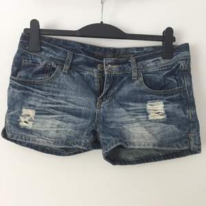 Shorts från Fishbone! Använda endast vid enstaka tillfällen. Priset är förhandlingsbart!