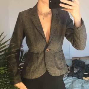 Superfin kostym-jacka, lite 70tals inspirerande! Så gott som ny!