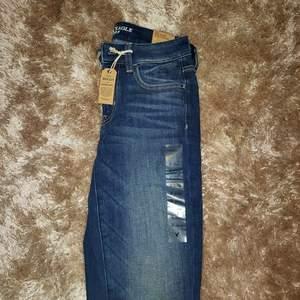 Helt nya American Eagle jeans med alla lappar kvar