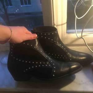 Superballa boots från märket Depeche! Nypris: 1350:- Använda ett fåtal gånger 🕺🏼