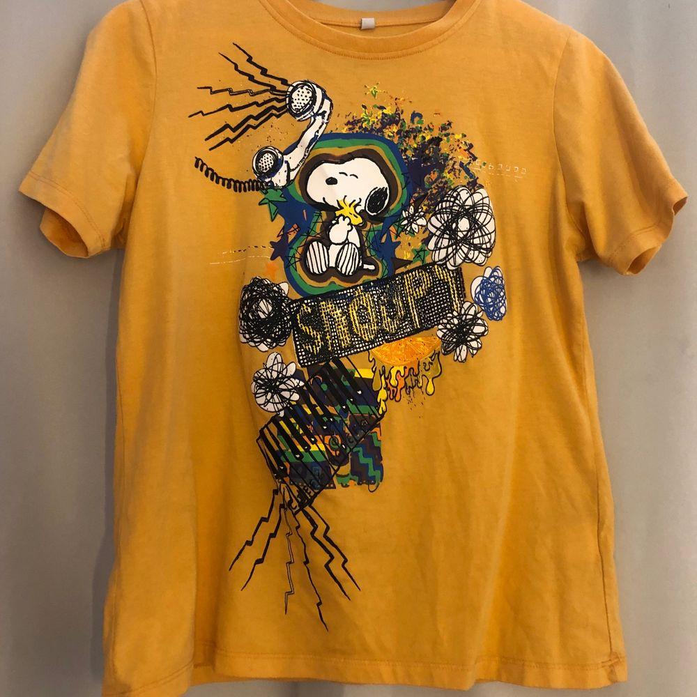 Säljer min coola snobben t-shirt💕 Köparen står för frakten💞💞. T-shirts.