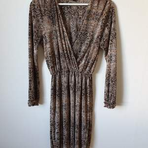 NEW River Island snake print mini dress - size 40- 14 , can work for M-L