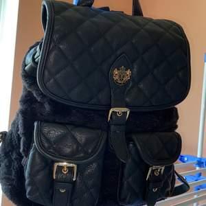Dam väska.