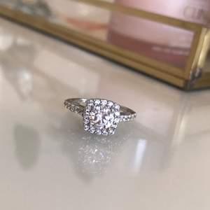 Jättefin ring i silver. Stl 52 (17) Köpt för 900kr