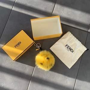 FENDI -Bag bug -Retail: 7.000SEK/700$ -Price: 2.500SEK/250€