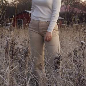 levi's manchester jeans, buda 💕 högsta bud 400kr
