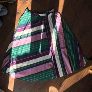 Fin plisserad kjol från Kappahl, ej använd