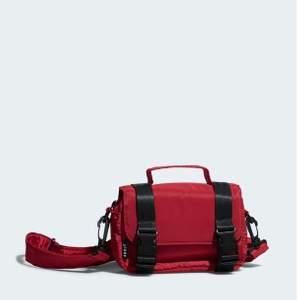 En fin väska från carlings använd 1 gång, nytt skick!