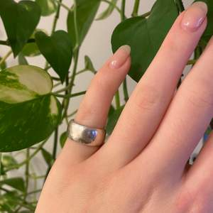 Fin och gammal ring i Sterling Silver (925).