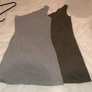 Knappt använda klänningar från Missguided i stickad material, kan även säljas enskilt (pris är för båda) passar både 34 och 36
