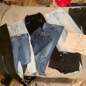 Snälla kan någon fin person skriva till mig av intresse av jeans ? ❤️Måste måste måste verkligen bli av me massa kläder, har alderes för mycket 😱Skulle vara jätte skönt om någon hörde av sig, tar typ 10-40kr för ett par jeans bara❤️Jag har 8 jeans o 2 shorts ❤️ni kan få 4 jeans för 110kr 😱❤️måste bli av me de , kan diskutera pris oxå såklart ❤️De flesta jeans e från gina tricot o kostar orgenal pris 300kr