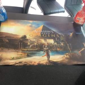 En poster från spelet Assassins's Creed Origins 86x57 cm. Frakt tillkommer.