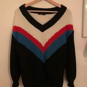 Jättefin stickad tröja från ginatricot! Aldrig använd. Kan mötas upp i lund annars står köparen för frakt🥰