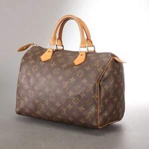 Louis Vuitton Boston bag säljer pga köpt ny ✌🏼 äkthetsbevis o påse medföljer