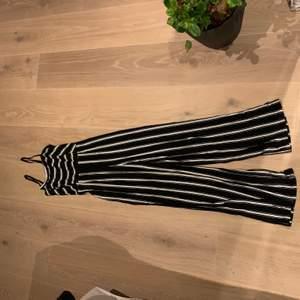 Jättefin jumpsuit från en gårdsbutik i Italien, men har funnits liknande på bla bershka